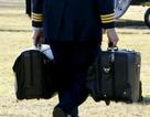 Khi nào vali hạt nhân bắt đầu theo ông Trump như hình với bóng?
