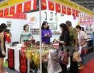 Gian hàng Việt Nam hút khách tại Hội chợ từ thiện ở Indonesia