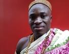 Vua bộ tộc châu Phi sang Canada làm thuê để nuôi dân
