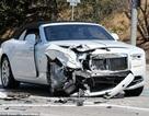 Siêu xe Rolls-Royce của mẹ cô Kim nát bươm trên phố