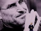 """CEO Apple Tim Cook nói về cách """"thoát bóng"""" của Steve Jobs"""