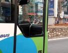 Vụ xe buýt nhanh vỡ kính: Người gây tai nạn là một phụ nữ?