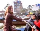 """Thiếu nữ tại chùa Hương bất ngờ được phong... """"hot girl chèo đò"""""""