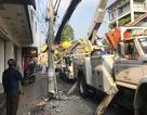 Truy tìm xe tải tông gãy trụ điện rồi bỏ chạy