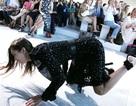 15 khoảnh khắc gây sốc nhất sàn catwalk