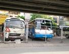 """Ninh Bình: Gầm cầu vượt bị """"xẻ thịt"""" biến thành bãi đỗ xe ô tô"""