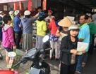 Người Sài Gòn đổ xô đi mua bánh Trung thu ngày đầu tháng