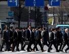 Lương tân cử nhân ở Nhật chỉ bằng một nửa so với ở Mỹ