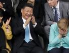 Ông Tập Cận Bình tươi cười cùng Thủ tướng Đức xem bóng đá