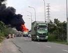 Xe đầu kéo cháy rụi trên đường vành đai Đông Sài Gòn