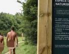 Dân Paris thư thái trong công viên khỏa thân đầu tiên