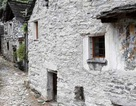 Ngôi làng Thụy Sĩ khốn khổ vì không có trẻ em