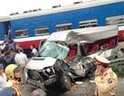 Tàu hỏa tông ô tô 16 chỗ, 1 người tử vong, nhiều người bị thương