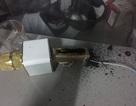 Nguy hiểm: Micro Karaoke lại cháy nổ lúc sạc trong đêm