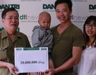 Bé Trương Văn Lanh bị ung thư được một hoàn cảnh nhân ái chia sẻ 20 triệu đồng