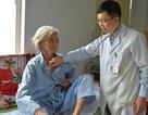Cụ bà 84 tuổi ngừng tim ngoại viện được cứu sống một cách kỳ diệu