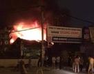 Hà Nội: Gara ô tô rộng hàng trăm mét vuông bốc cháy dữ dội