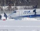 Máy bay mất khiểm soát, trượt khỏi đường băng và đâm vào tuyết