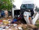 Xe container tông xe dịch vụ đám cưới, 4 người bị thương