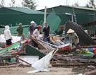 Phố biển Cửa Lò tan hoang, người dân hối hả dọn dẹp sau bão