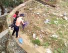 Người đàn ông đi đường cứu thành công một phụ nữ nhảy cầu tự tử