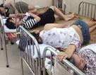 Hàng chục công nhân nhập viện sau khi ăn buffet hải sản