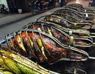 Cá nướng kiểu Tây Bắc: Xe đẩy vỉa hè kiếm 3 triệu đồng/ngày