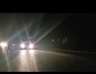 """Trắng đêm theo chân """"binh đoàn"""" xe quá tải cày xới quốc lộ 5"""
