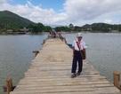 Đã có cầu gỗ cho học sinh ở Nha Trang qua sông đi học