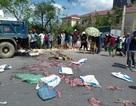 Hàng chục người dân vây bắt xe chở thực phẩm hôi thối