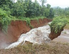 Vỡ đập hồ thủy lợi, nhà dân ngập trong nước