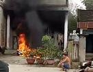 Giận vợ, chồng đốt 2 xe máy cháy rụi
