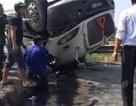 Lật xe container 2 người bị mắc kẹt trong ca bin