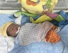 Bé gái sơ sinh bị mẹ bỏ rơi tại Bệnh viện Thanh Nhàn