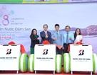 Bridgestone Việt Nam trao tặng thùng rác thông minh cho Công Viên Nước Đầm Sen