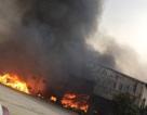 Cháy lớn tại cơ sở sản xuất bánh kẹo