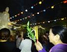 TP. HCM: Hàng ngàn người dân đến chùa xin lộc thời khắc giao thừa