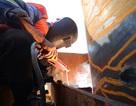 TPHCM: Hối hả nhịp lao động xuyên Tết trên công trường chống ngập