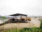 """Ninh Bình: Dẹp bãi cát """"lậu"""", xưởng dăm gỗ """"nhởn nhơ"""" hoạt động"""
