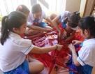 Học sinh Đà Nẵng làm lồng đèn tặng trẻ em làng SOS