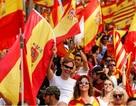 350.000 người biểu tình phản đối Catalonia độc lập
