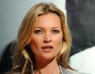 Siêu mẫu Kate Moss đã diện một mẫu trang phục suốt… 18 năm