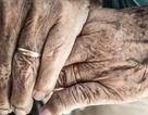 Lan truyền câu chuyện tình gây sốt của cặp đôi trăm tuổi