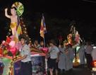 Hàng ngàn người dân và du khách tham dự lễ hội Phật Đản