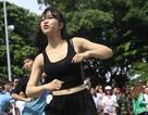 """Hàng trăm bạn trẻ Hà Nội nhảy với chủ đề """"Yêu đủ để buông"""""""