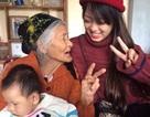 """Khi bà ngoại 97 tuổi cùng quay clip """"xì tin"""" cùng cháu gái"""
