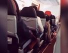 Máy bay AirAsia gặp sự cố, rung lắc như máy giặt