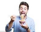 Ăn nhanh làm tăng nguy cơ mắc bệnh chuyển hóa