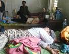 19 người nhập viện nghi ăn bánh tét trong đám tang