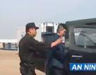 Khách Trung Quốc trộm tiền rồi giấu trong toilet máy bay